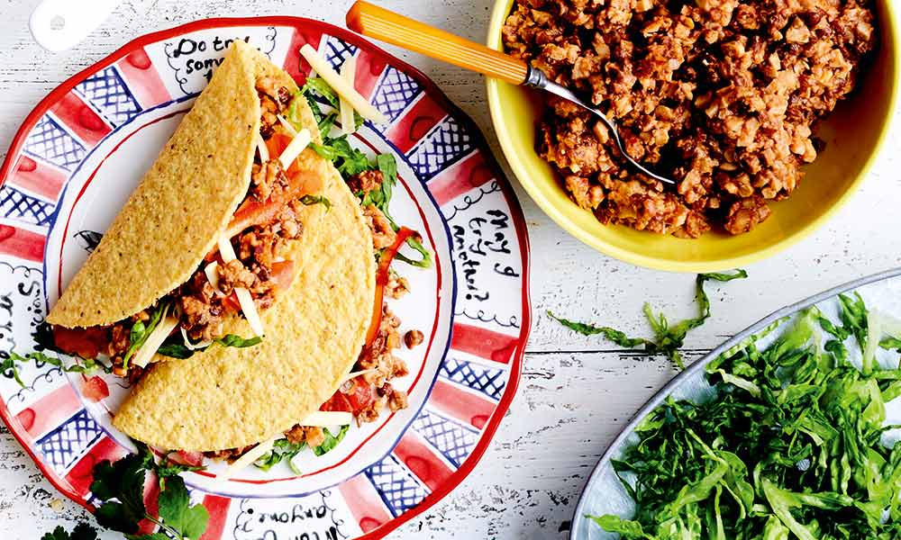 Spicy lentil and walnut 'mince' tacos